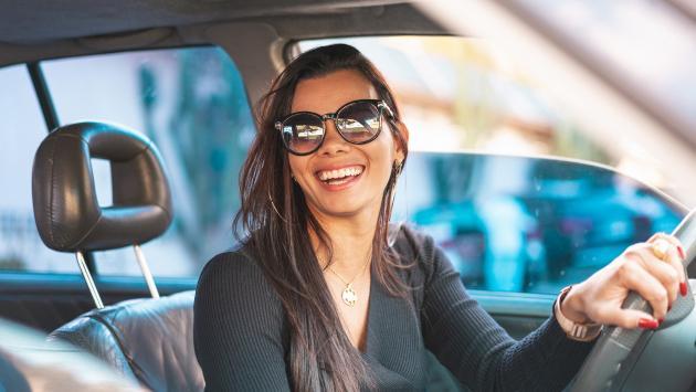 ¡Toma nota! Ejercicios que puedes realizar en el auto durante el tráfico