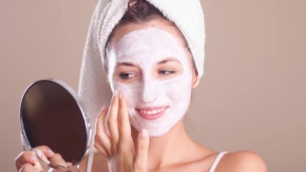 Tratamiento casero para combatir espinillas del rostro