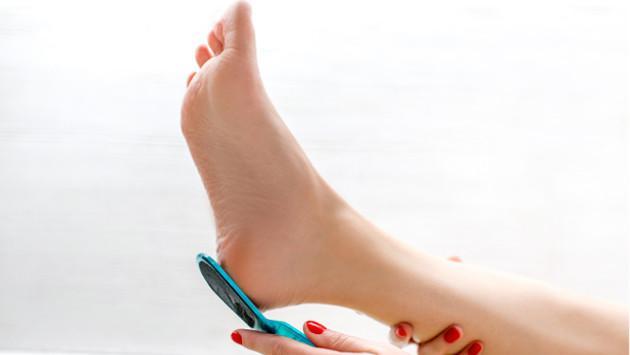 Truco para humectar los pies y eliminar callosidades