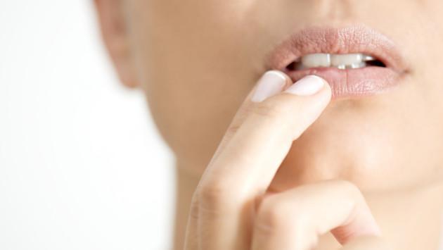 Trucos para desinflamar los labios hinchados