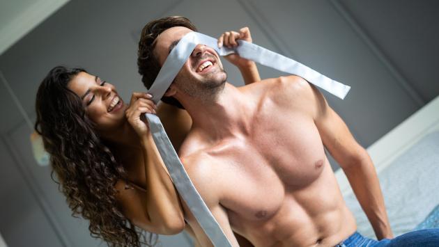 Trucos para que el deseo y la pasión no se apaguen en una relación