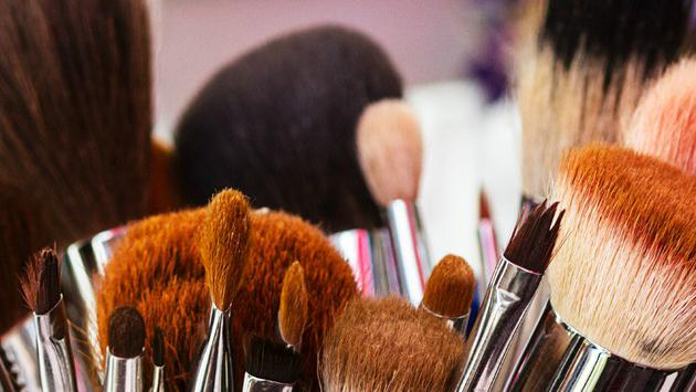 Tips para limpiar las brochas de maquillaje