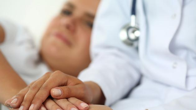 Yoga, acupuntura y masajes ya forman parte del tratamiento contra el cáncer