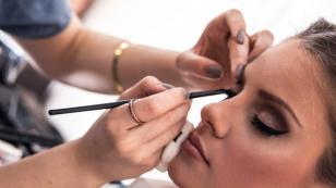 3 trucos de peluquería que te rejuvenecen