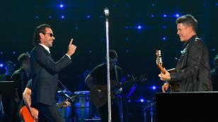 Alejandro Sanz y Marc Anthony cantaron 'Deja que te bese' por primera vez en vivo [VIDEO]