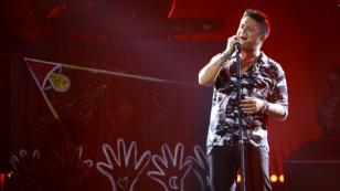 Alejandro Sanz y Mon Laferte emocionan a sus fans al cantar juntos en México
