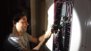 ¿Chayanne busca trabajo como electricista?