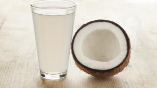 Estos son los beneficios del agua de coco