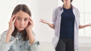 Estudio revela que las mamás estrictas tienen hijos más exitosos