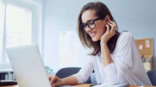 Lo dice la ciencia: Las mujeres que usan lentes son más inteligentes