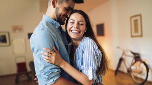 ¿Sabías los beneficios de abrazar?