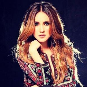 Dulce María de RBD enternece Instagram con foto de cuando era niña
