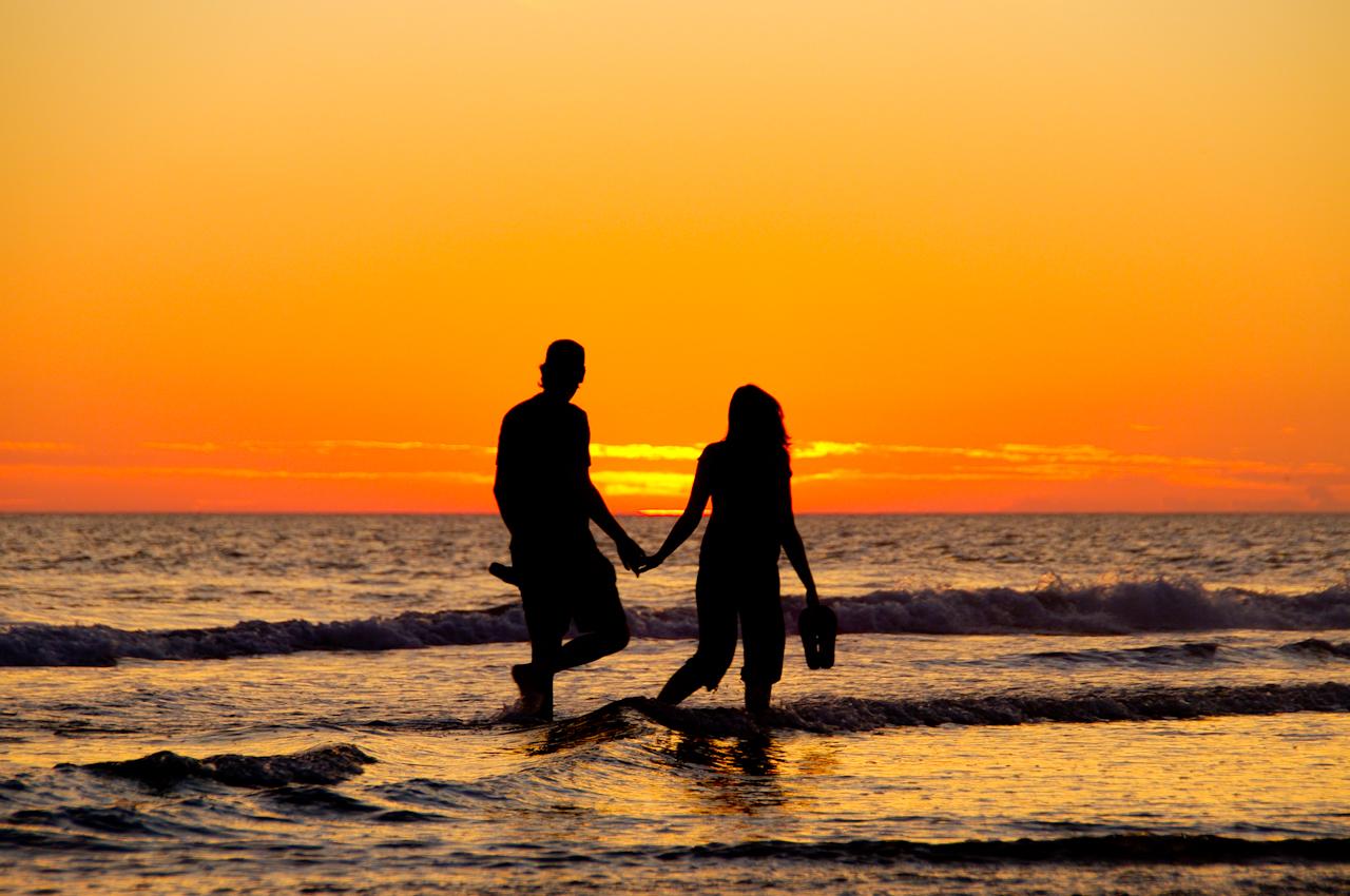Atención mujeres estas son diez señales que prueba que un hombre está interesado en ti