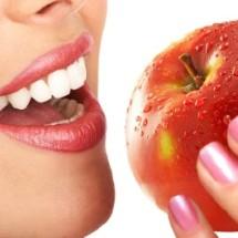Adelgaza comiendo manzanas.