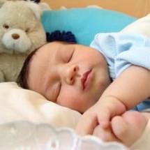 Trucos para que tu bebé duerma toda la noche.