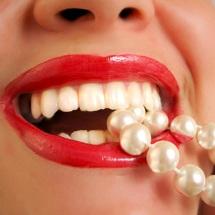 Receta casera para blanquear tus dientes.