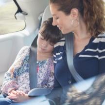Trucos para entretener a tu hijo en el carro.