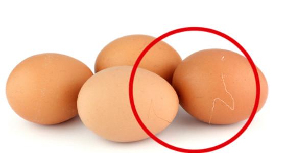 Truco para cocinar huevos con la cáscara rota