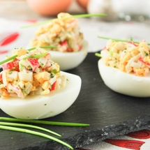 Huevos rellenos de atún.