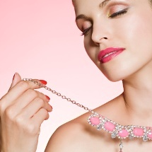 Tips para elegir la joya ideal para tu vestido.