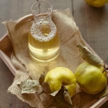 Saludable y refrescante bebida de membrillo con quinua.