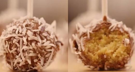Deliciosas bolitas de queque, chocolate y coco