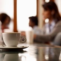 Reconoce qué bebida tiene más cafeína.