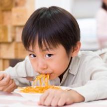 Reglas para la alimentación de tus hijos en el colegio y en casa.
