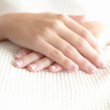 Remedio casero para blanquear tus uñas.