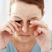 Tips y remedios para aliviar los ojos irritados.