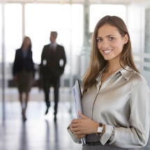 Tips para vestir correctamente en una reunión de trabajo.